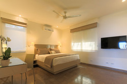 las_mareas_large_bedroom
