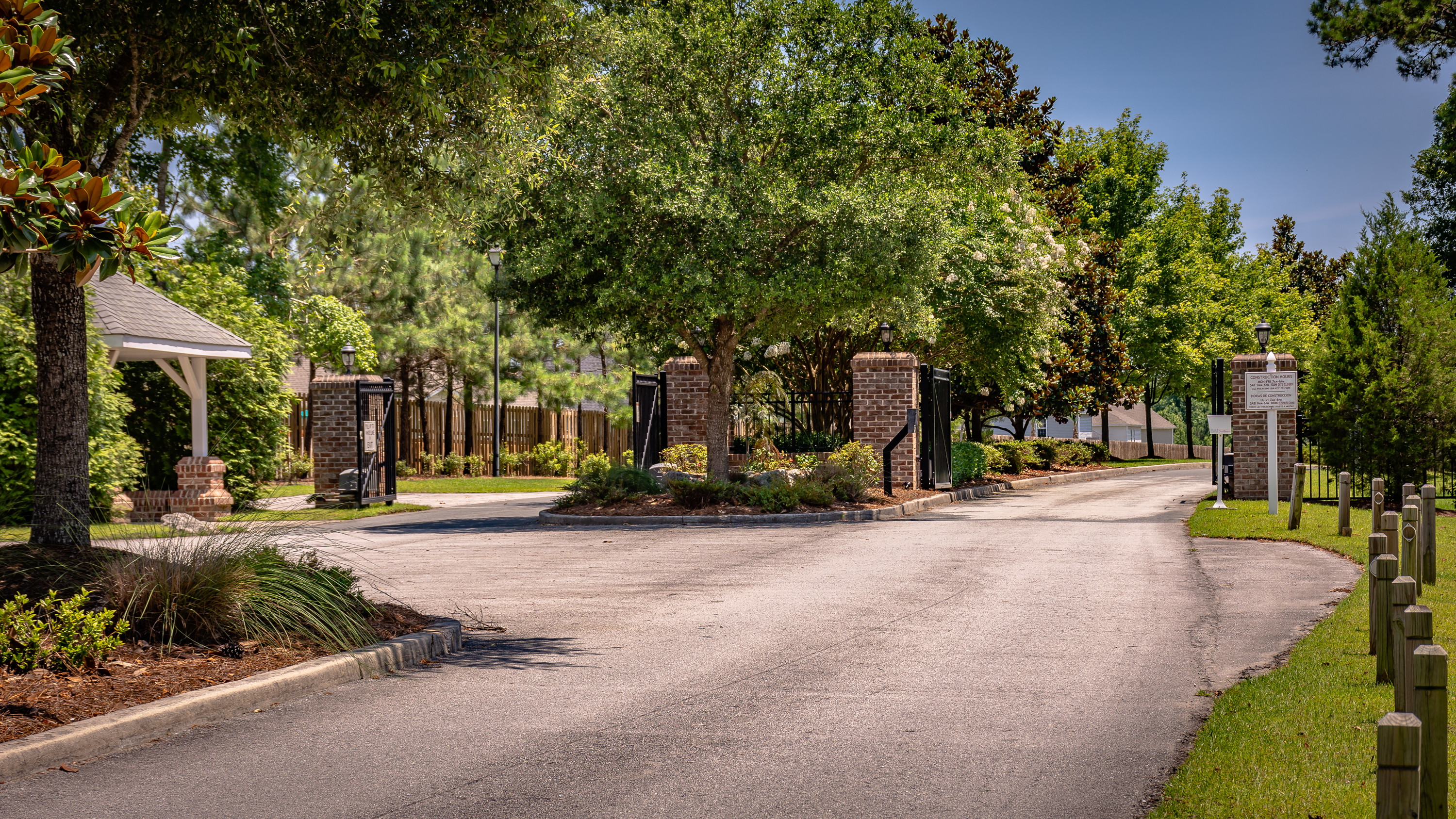 Gated Entry Mimosa Bay