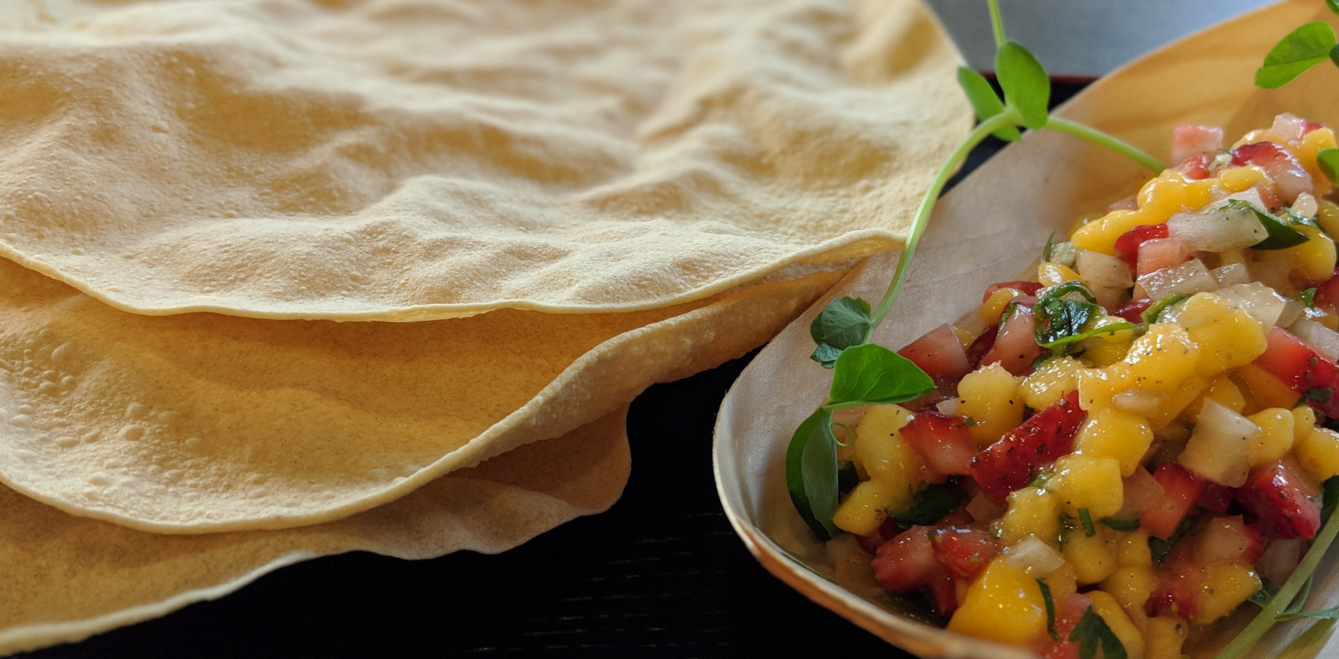 Pappadum with salsa (try out)