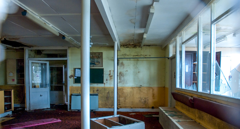AbandonedHospitals-12.jpg
