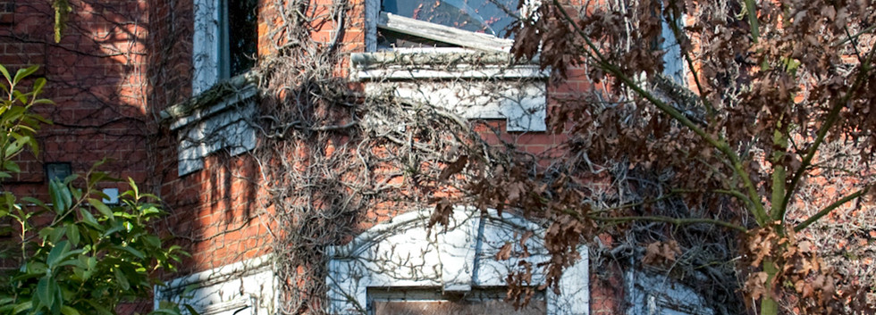 AbandonedHospitals-8.jpg