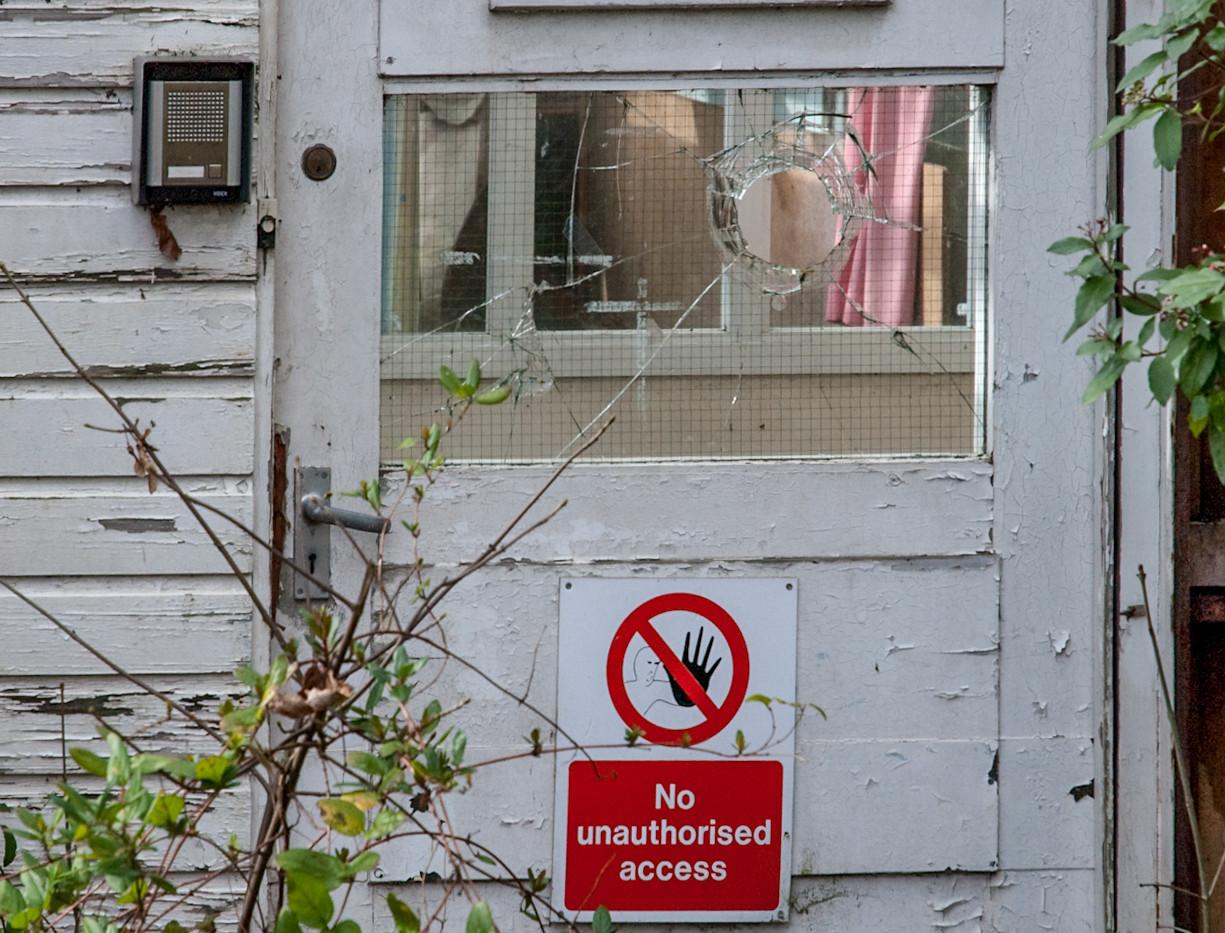 AbandonedHospitals-13.jpg