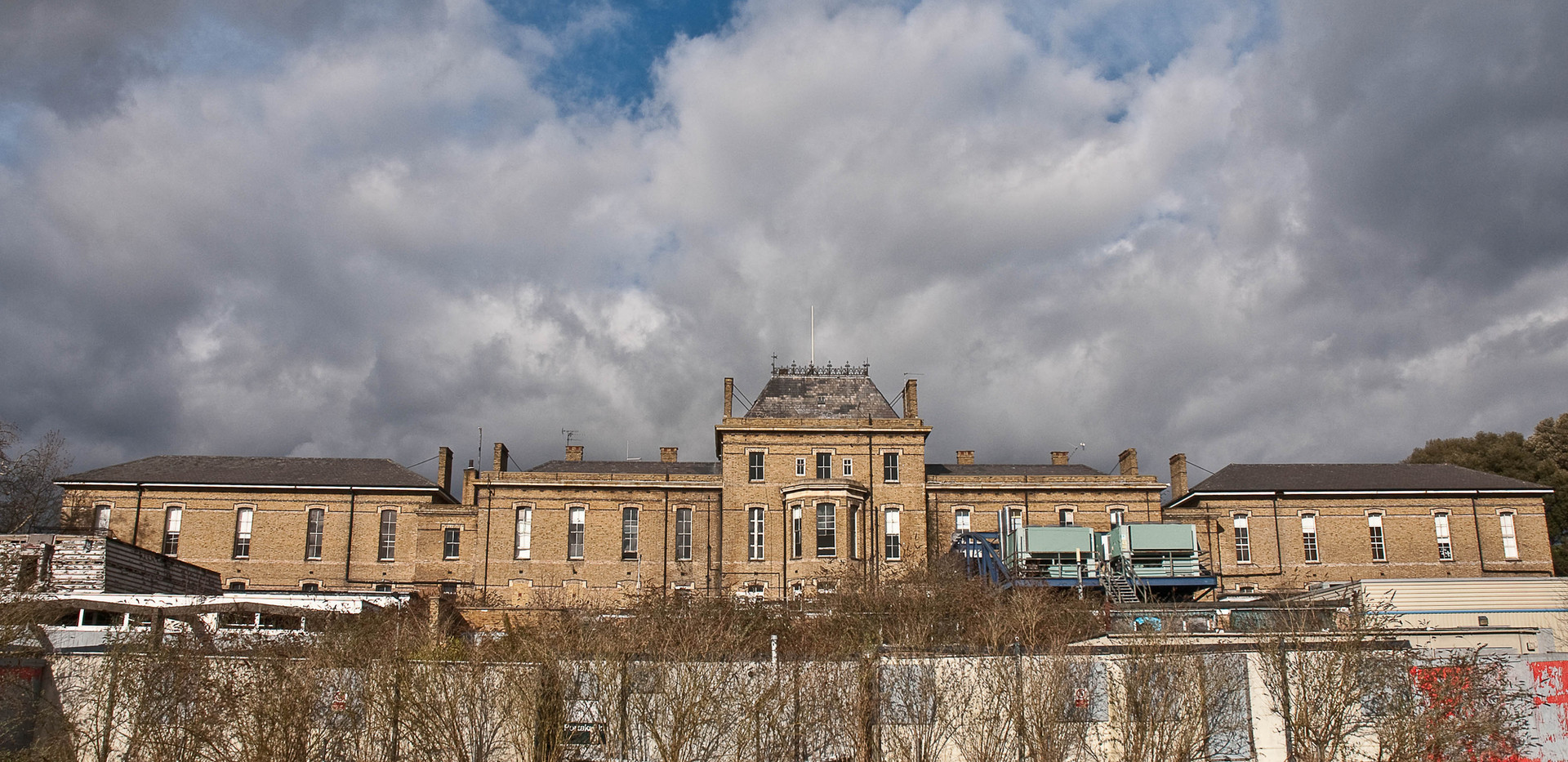 AbandonedHospitals-15.jpg