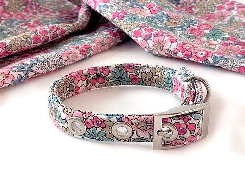 Vintage Floral Collar