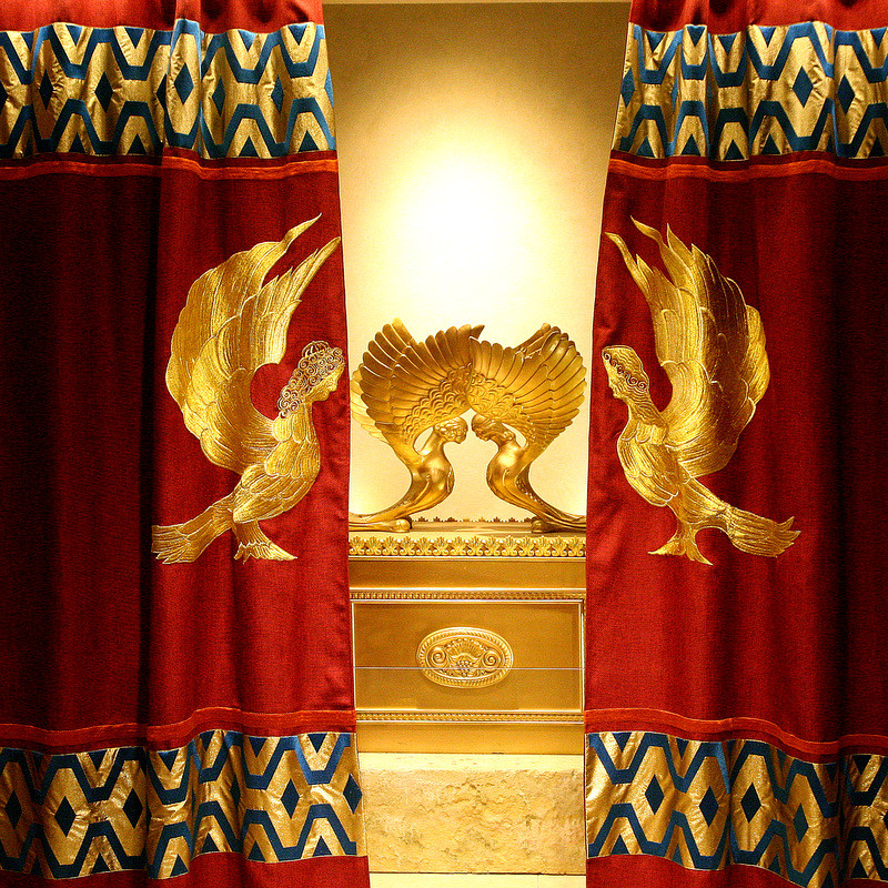 גלגוליה ומשמעויותיה של פרוכת בית המקדש בפסחא!