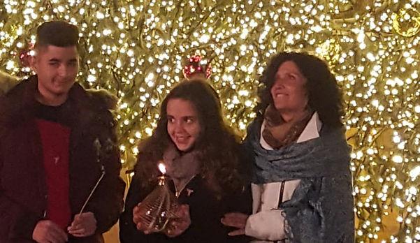 קלו ליבנה, ג'ואן ואוֹרי בחגיגות חג המולד
