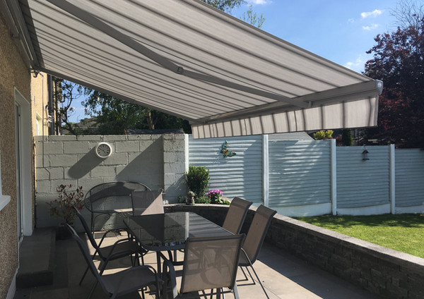 Adagio Manual Retractable Awning fitted