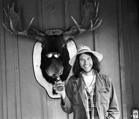Αναζητώντας το σωστό Neil Young πουκάμισο