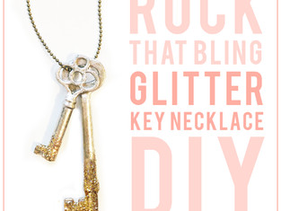 DIY : GLITTER KEY NECKLACE