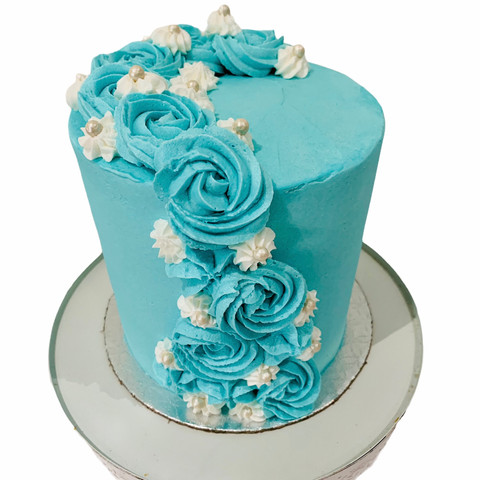 Blue Buttercream Swirl Cake comes in all colours