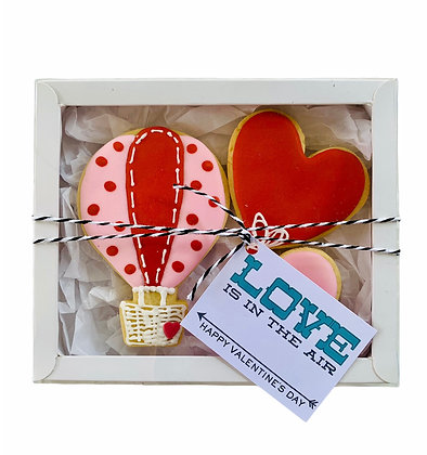 """""""Love Is In The Air"""" Gift Box"""