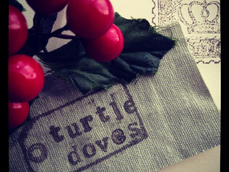 Two Turtle Doves – Rocking Around the Christmas Tree
