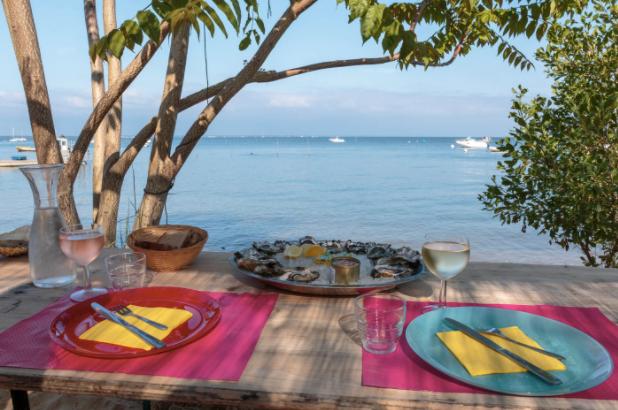 Dégustez un plateau d'Huitre en bateau au Cap Ferret