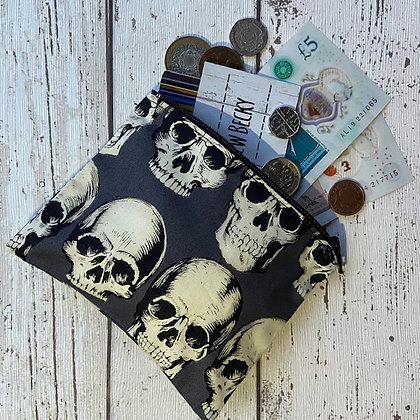Grey Skull Purse TSB