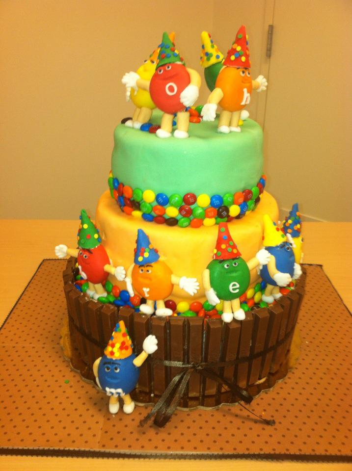 M&M lover cake