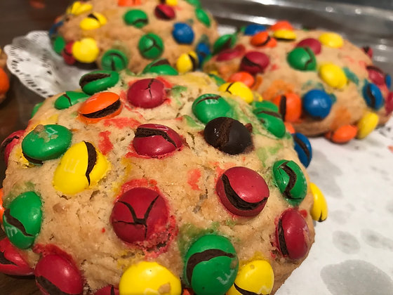 Giant M&M chip cookies (4)