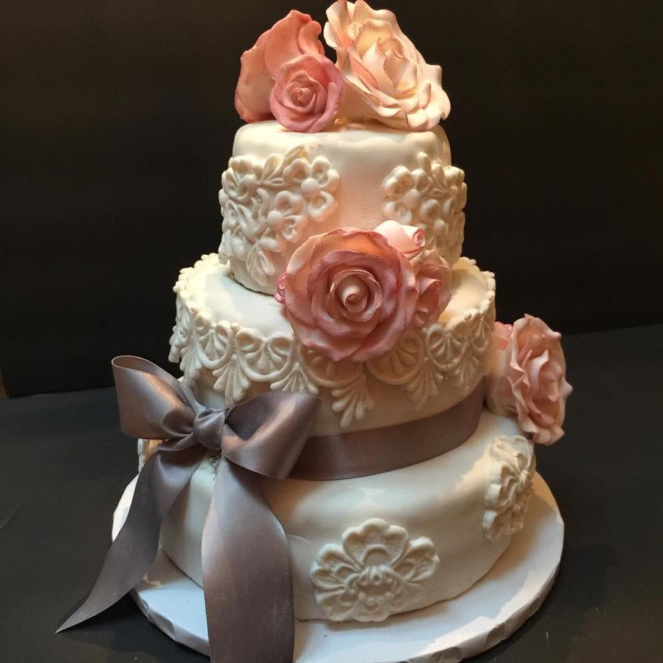 Rose & Lace Wedding Cake