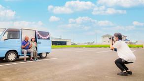 出張女性カメラマン・移動スタジオカー青空写真館の撮影風景です