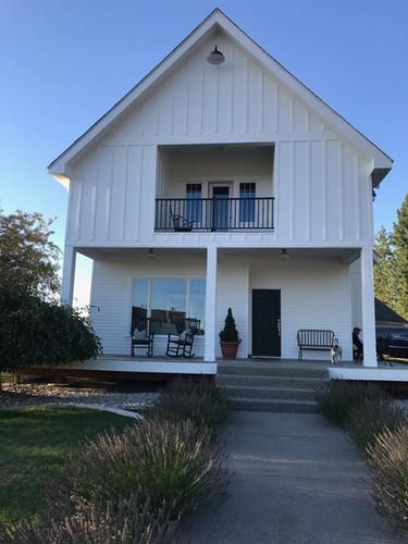 Farmhouse Hardie & Coeur d'Alene Windows
