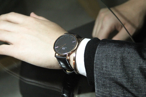 Look Your Best With The Classic All Black Everything Outfit Ft. Daniel Wellington