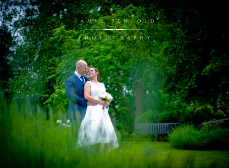 A Hornchurch Wedding: Faye and Rhys
