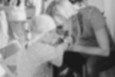 Ich, Sonja Graubaum, mit meiner Tochter, lachend Kopf an Kopf.