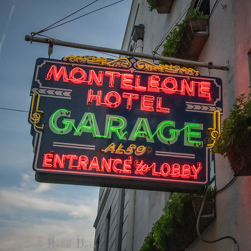 D1C3 Dot-Hotel Monteleone Garage