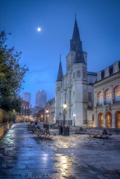 50- Cathédrale Sous La Lune