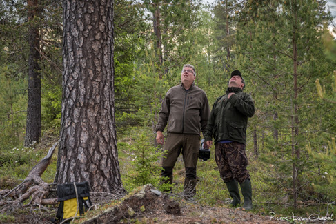 Olli-Pekka et Jarmo évaluent la hauteur à parcourir !