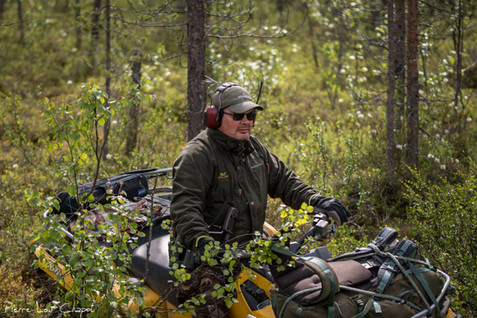 When the nests are further away, Jarmo gets on board his robust ATV (all-terrain vehicle).