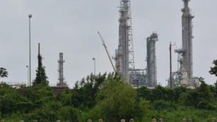 Refinería de Dos Bocas una amenaza ambiental de acuerdo a MIA, Pemex avala proyecto