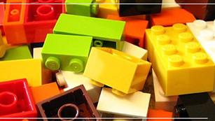 LEGO comenzará a fabricar algunas piezas a base de plantas y no de petróleo