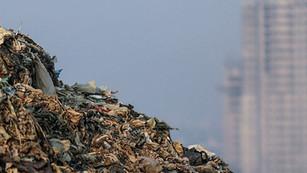 Montaña de basura en India a punto de ser más alta que el Taj Mahal en 2020