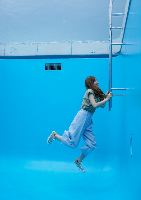 The pool, Leandro Erlich