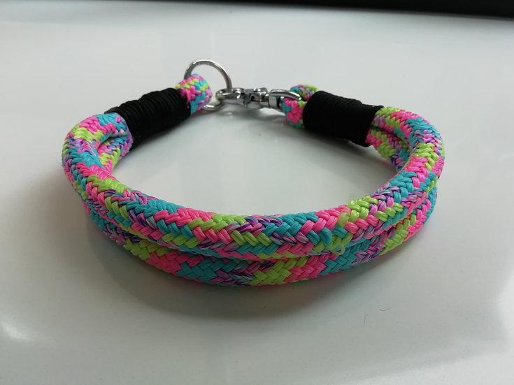 Gevlochten halsband in diverse kleuren te bestellen