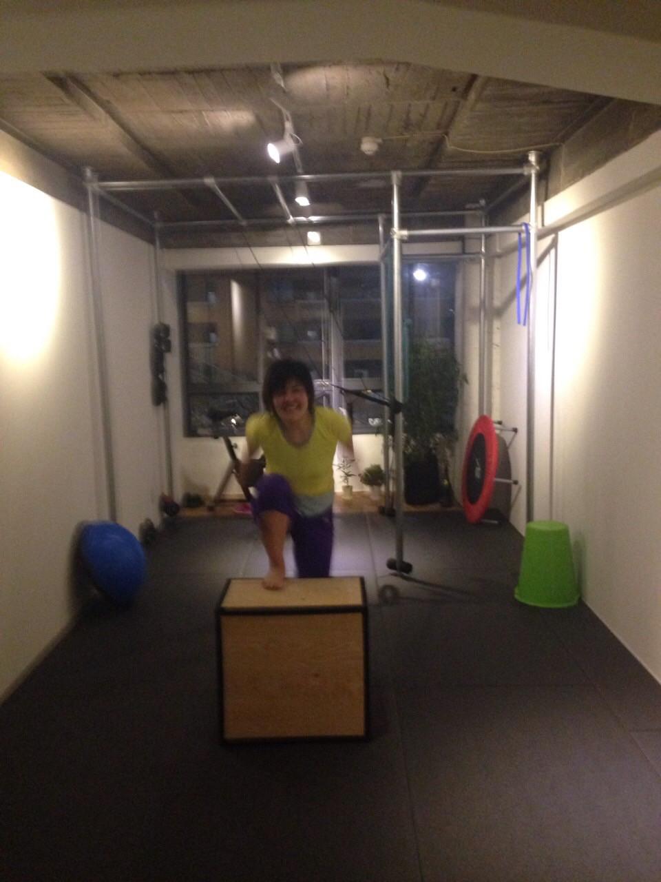 BOXステップで股関節周辺のトレーニング