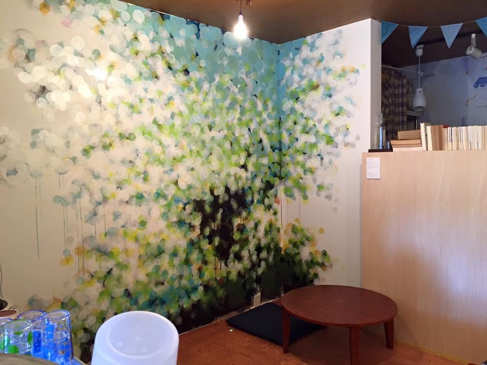 SOLUMカフェの壁画