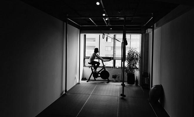 京都パーソナルトレーニングジム スピンバイク