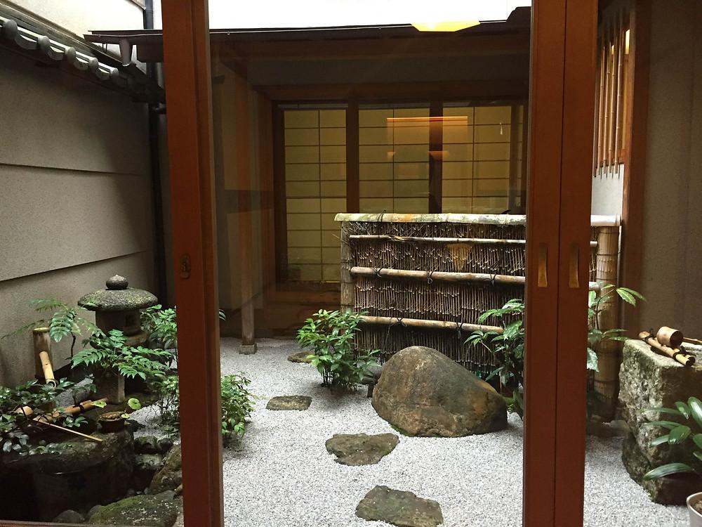 花見小路のカフェ|京都パーソナルトレーニングジム「MOVEMENT」