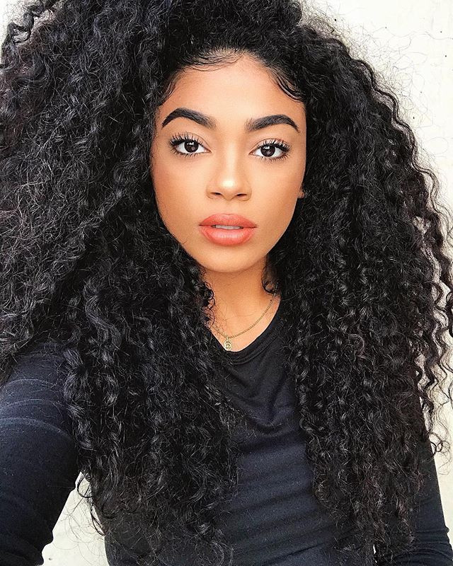 Powerhouse Curls from _jasmeannnn ❤️ Tag someone with hair like this!