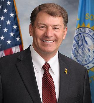 Mike_Rounds_official_Senate_portrait_sm.