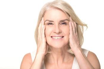 Ansigtsyoga er effektiv træning af din ansigtsmuskulatur til at udbedre og forebygge rynker og slap hud.