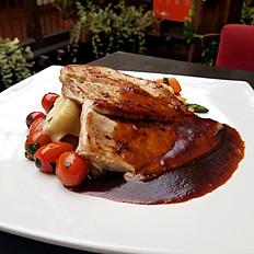Pollo en salsa bordelesa