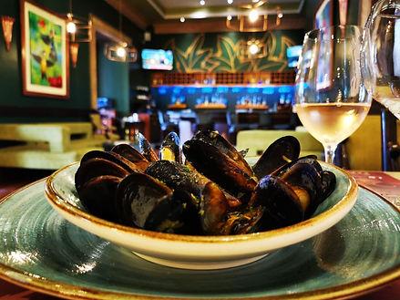 comida internacional - entrada - mejillones al vino al blanco.jpg