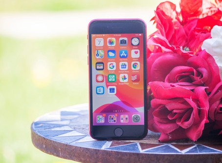 iPhone SE Review: Tiny Powerhouse Hobbled by iOS
