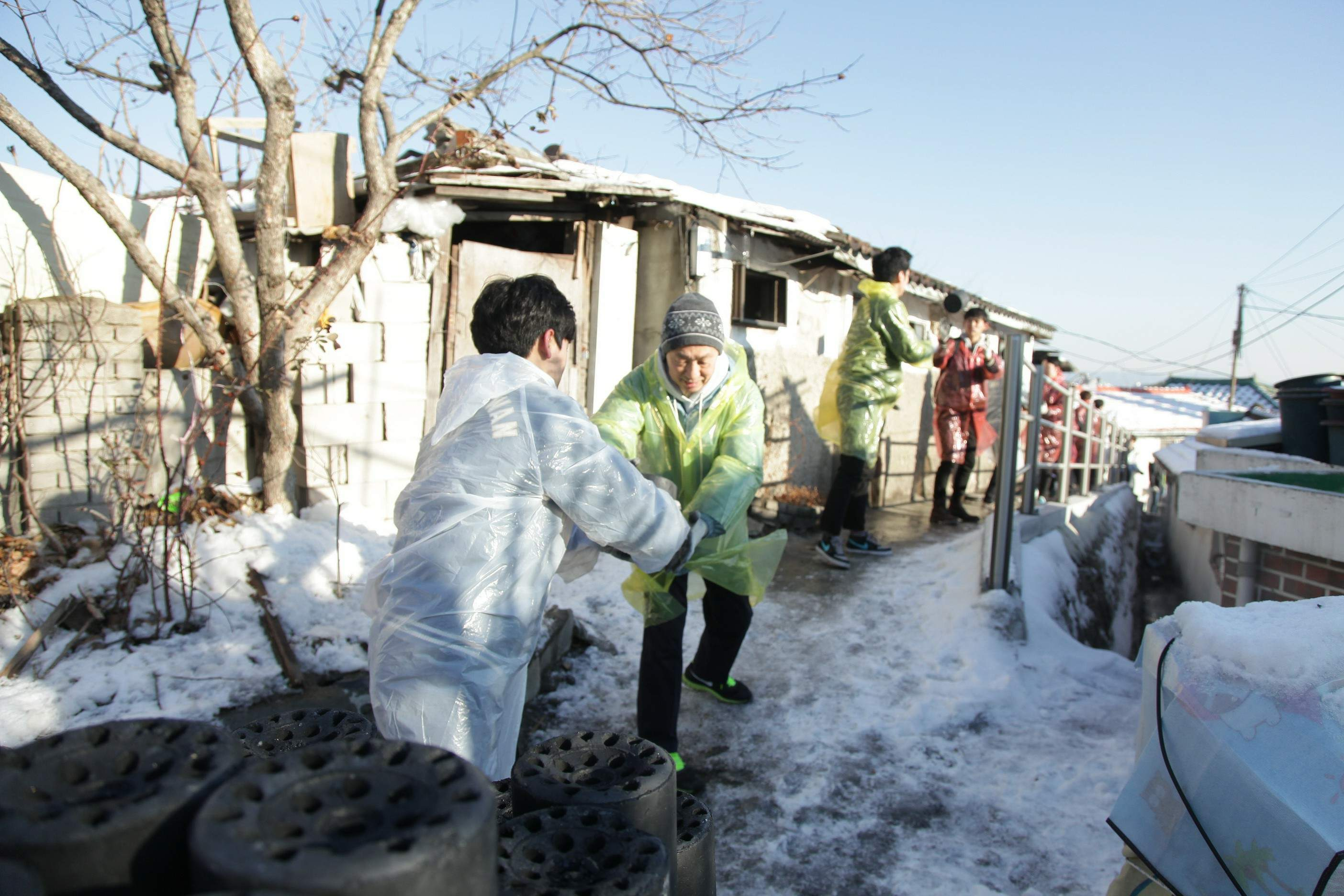 성북동 산동네 연탄배달 봉사