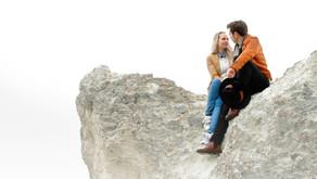 Une séance photo de couple dans la brume girondine