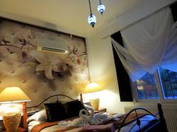 Luxury Designer Bedroom & Air Con