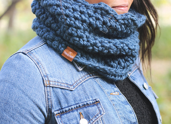 Scalloped Cowl - Light Grey