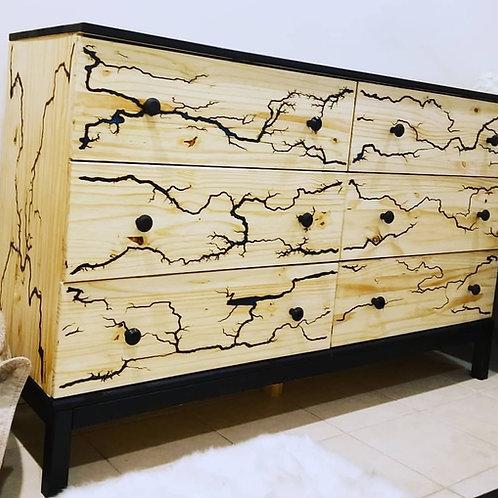 Lichtenberg Dresser